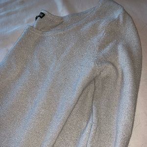 Fitted express sweater, with sparkle